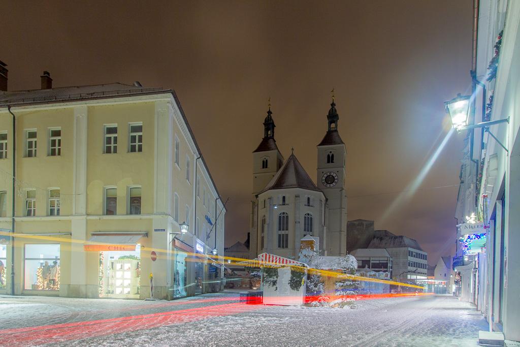 Neupfarrplatz um Mitternacht